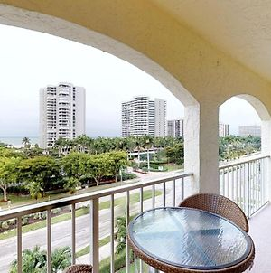 Top Floor Condo, Steps Away From Jw Marriott And Beach Access!! photos Exterior