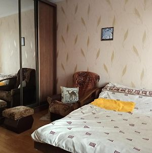 Comfortable Room Close To Metro In Kyiv photos Exterior