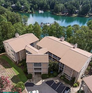 Lake Keowee Condo With Views And Pools And Marina! photos Exterior