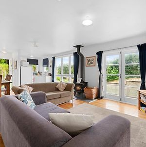 Blue Breeze - Waikanae Beach Holiday Home photos Exterior