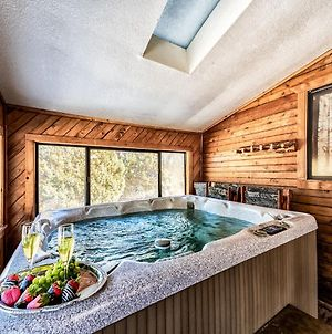 Alto Oso, 3 Bedrooms, Lush Forest View, Deck, Spa, Hot Tub, Sleeps 6 photos Exterior