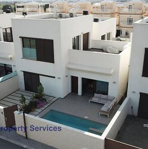Luxurious Villa Sleeps 6 With Private Pool Lm1 photos Exterior