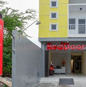 Reddoorz Near Graha Saba Buana Solo photos Exterior