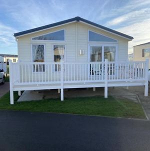 Impeccable 2-Bed Lodge In Whitley Bay. photos Exterior
