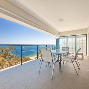 12 'Le Vogue', 16 Magnus St - Sensational Water Views, Lift, Pool & Tennis Court photos Exterior