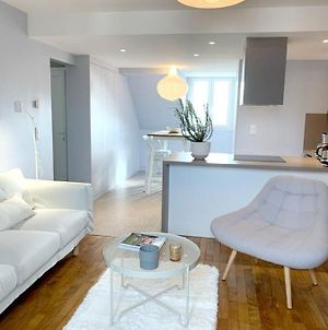 Apartment With 2 Bedrooms In Granville, With Wifi photos Exterior