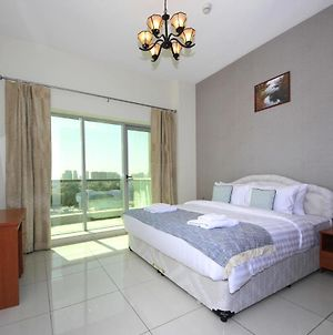 Signature Holiday Homes - Newly Furnished 1Bhk In Arena Apartment photos Exterior