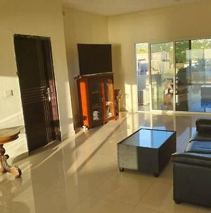 2 Bedroom Apartment With Aircon photos Exterior