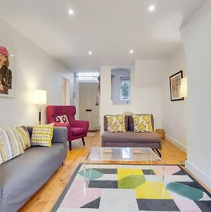 A Charming 2Br Mews House With A Private Garden photos Exterior