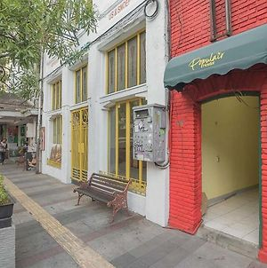 Reddoorz Hostel Near Braga Citywalk photos Exterior