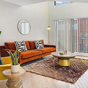 Affordable & Spotless 1Br Loft Right In Wrigley! G9 photos Exterior