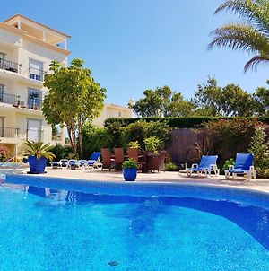 Amazing Apartment W/Pool! Only 5Min To The Beach! photos Exterior
