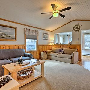 Cozy Charlestown Cottage - 1 Mi To Town Beach! photos Exterior