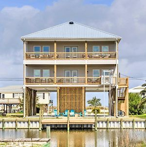 Luxe Spacious Stilted Home With Kayaks - Walk To Beach photos Exterior