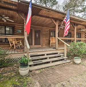 Secluded Texas Getaway With 25 Acres & Private Yard photos Exterior