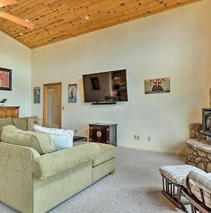 Pet-Friendly Mtn Home With Deck, 3 Mi To Hiking photos Exterior