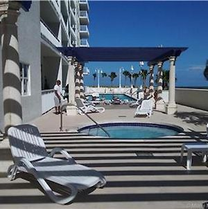 Beautiful Miami 1200 Brickell 2 Bedroom, 2 Bathroom Apartment In The Sky, Sleeps 4 photos Exterior