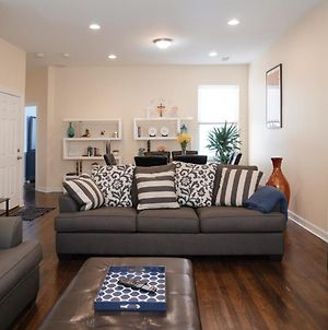 Lowest Rates! Updated Modern Condo With Parking! photos Exterior