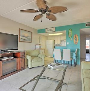 Quaint Beachfront Getaway W/Patio & Community Pool photos Exterior