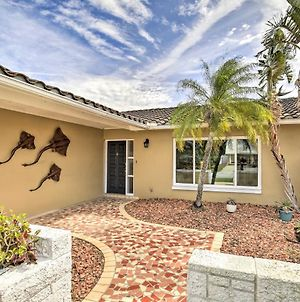 Single-Story Home With Hot Tub, Pets Welcome! photos Exterior