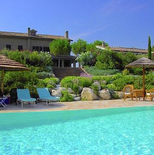 Luxurious Villa In Montelupone With Private Swimming Pool photos Room
