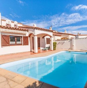 Cozy Holiday Home L'Escala With Swimming Pool photos Room