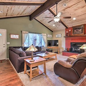 Updated Country Club Cabin Mins To 3 Golf Courses! photos Exterior