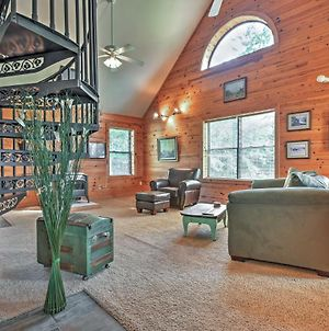 Hillside Cabin On 43 Acres With Private Lake & View! photos Exterior