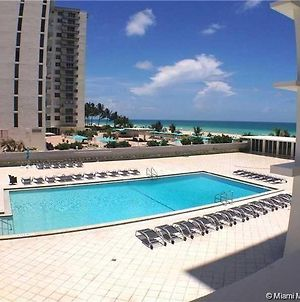 Absolutely Beautiful Condo In An Ocean Front 3 Bedrooms 2 Bathrooms Sleeps 6 photos Exterior