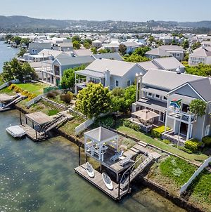 Canal Waterside Lifestyle photos Exterior