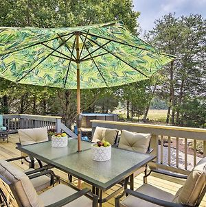 1-Acre Family Home W/Pool~11 Mi To Greensboro photos Exterior