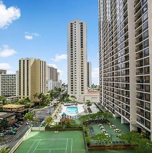 Waikiki Banyan Deluxe One Bedrooms By Darmic photos Exterior
