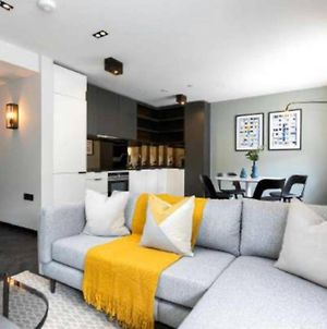 Vibrant & Stylish 1 Bed Apartment Behind Oxford St photos Exterior