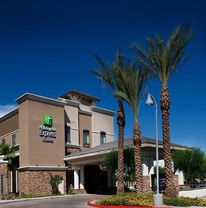 Holiday Inn Express & Suites Phoenix Glendale Dist, An Ihg Hotel photos Exterior