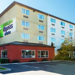 Holiday Inn Express Hotel & Suites North Seattle - Shoreline photos Exterior