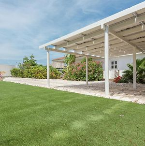 Beautiful Villa With Private Pool Within Walking Distance Of Jan Thiel Beach On Curacao photos Exterior