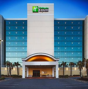 Holiday Inn Express Hotel & Suites Va Beach Oceanfront photos Exterior