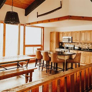 8 Bed Blue Mountain Chalet With Hot Tub - Sleeps 20 #216 photos Exterior