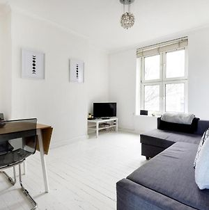 Bright & New 2 Bed Apartment - Close To Tube photos Exterior