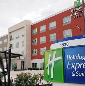 Holiday Inn Express & Suites - Houston Iah - Beltway 8, An Ihg Hotel photos Exterior