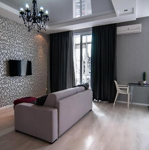 Luxury Apartment In The Heart Of The City With Main Street View photos Exterior