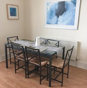 Jesmond Two Bedroom Apartment With Free Parking photos Exterior