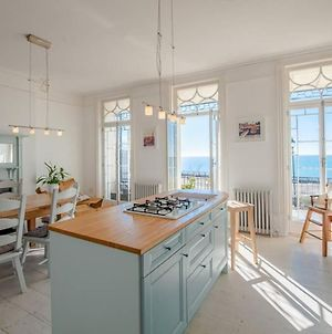 The Wellington: Two Bedroom Apartment With Balcony And Sea Views photos Exterior