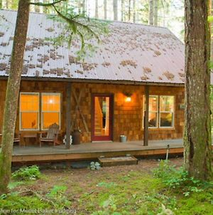 Holiday Home 12Gs Cabin W Sweet Covered Porch photos Exterior