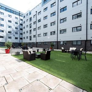 Executive Serviced Apartments Near London Luton Airport photos Exterior