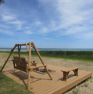Lake Huron - 3 Bedroom, 2 Bath Lake Front Condo - Sleeps 12 photos Exterior