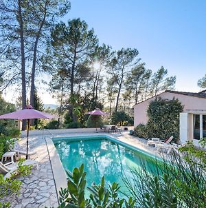 Lavish Villa In Bagnols-En-Foret With Swimming Pool photos Exterior