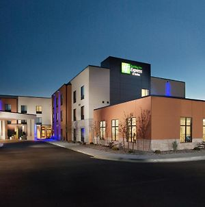 Holiday Inn Express & Suites Pocatello photos Exterior