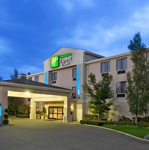 Holiday Inn Express & Suites Alliance, An Ihg Hotel photos Exterior