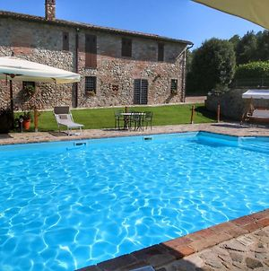 Deluxe Mansion In Pontecuti Pg With Swimming Pool photos Room
